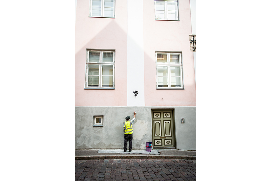 Painter in the streets of Tallinn, Estonia